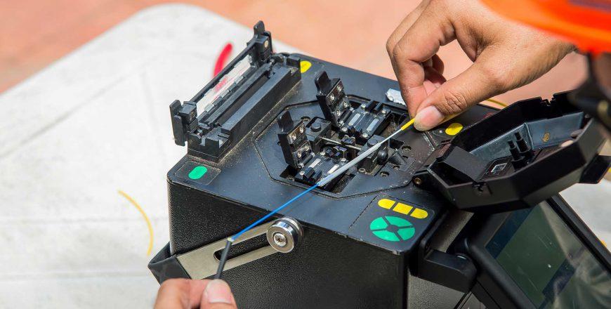 Fiber Splicer Splicing with a Fusion Splicer